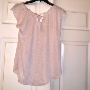 LC Lauren Conrad Tops - Lauren Conrad pleated pink blouse